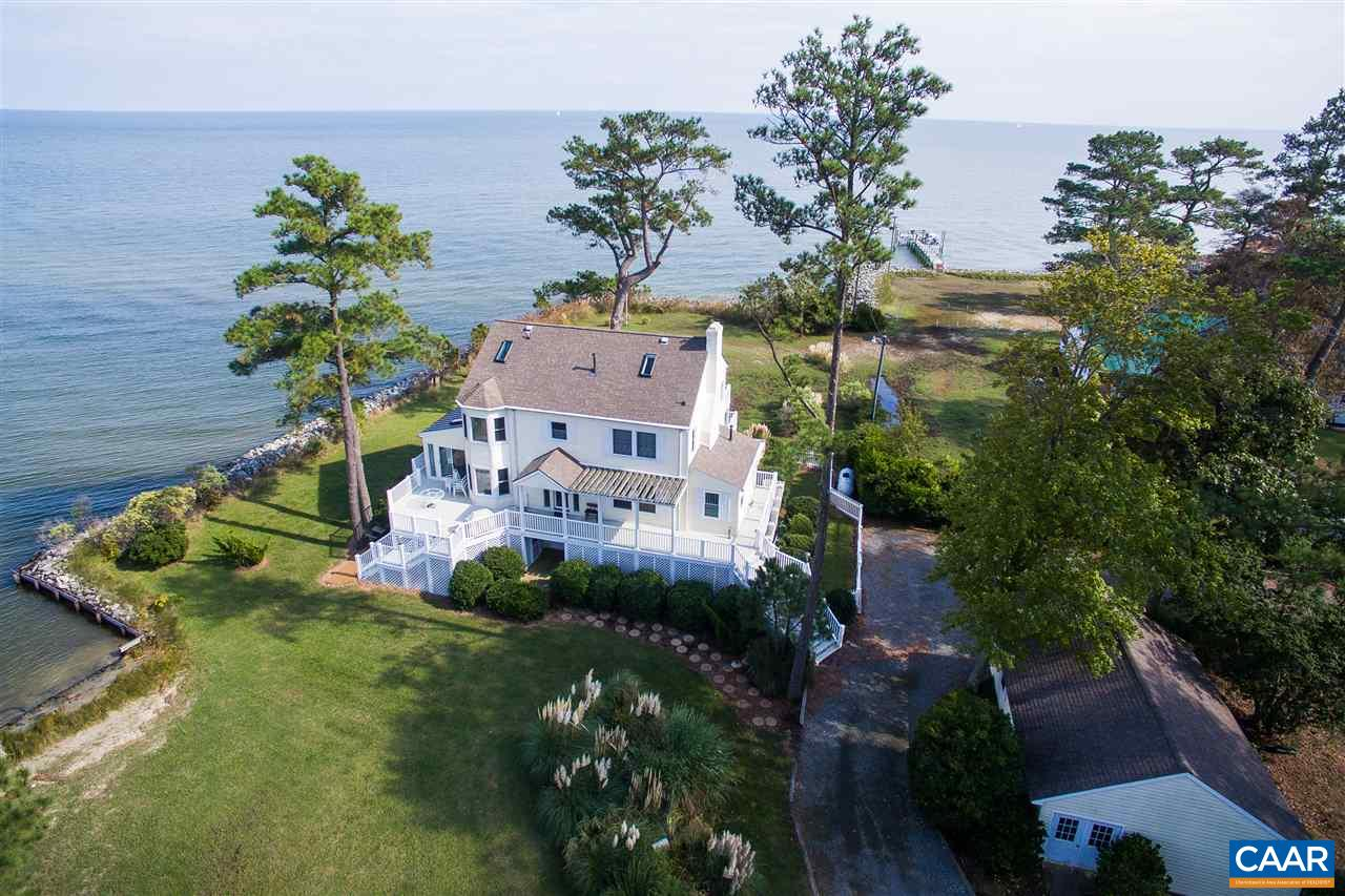Single Family Home for Sale at 395 GILLIM Road 395 GILLIM Road Deltaville, Virginia 23043 United States