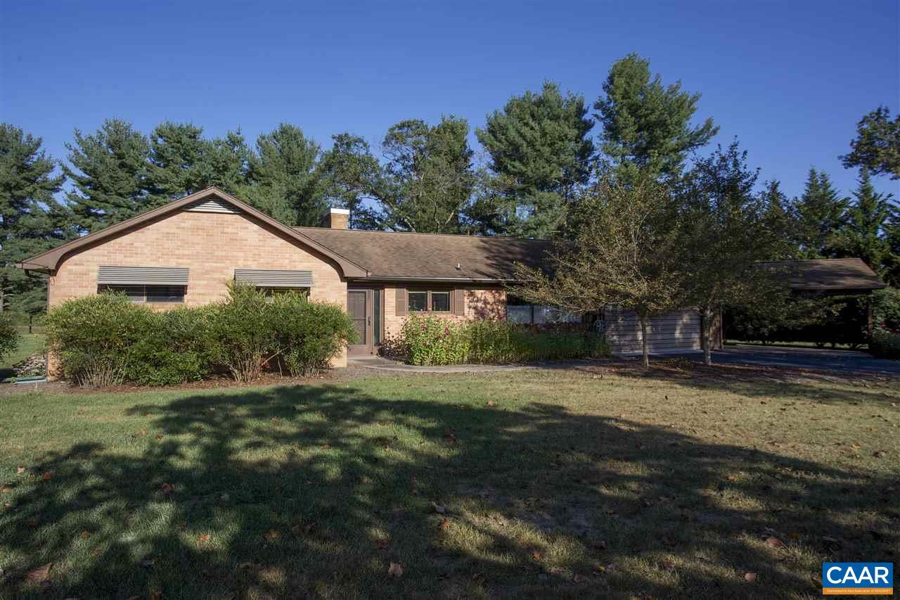 Single Family Home for Sale at 2705 LYNDHURST Road Waynesboro, Virginia 22980 United States
