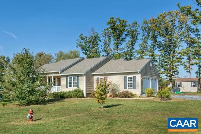 Single Family Home for Sale at 126 CEDARCREST Drive Waynesboro, Virginia 22980 United States