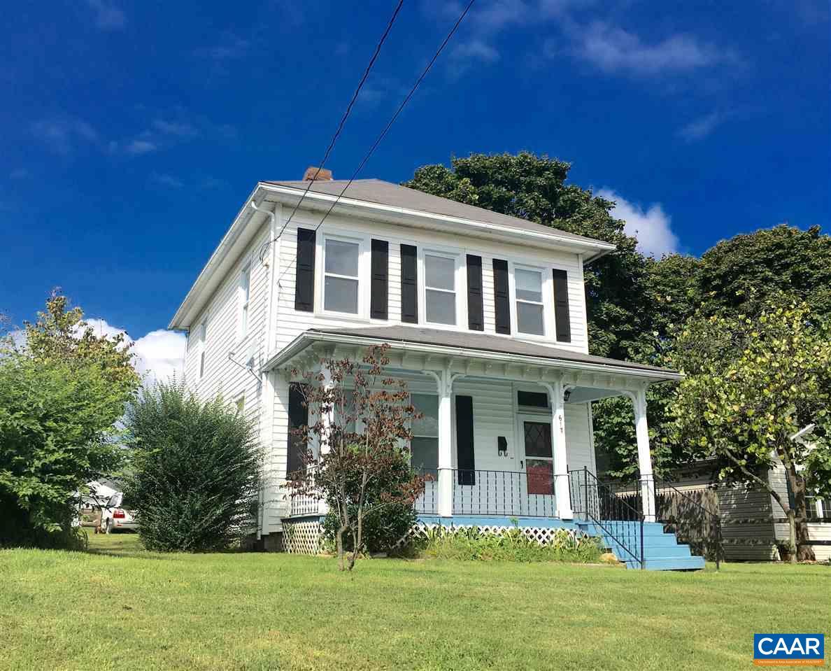 Single Family Home for Sale at 617 SHERWOOD Avenue Waynesboro, Virginia 22980 United States