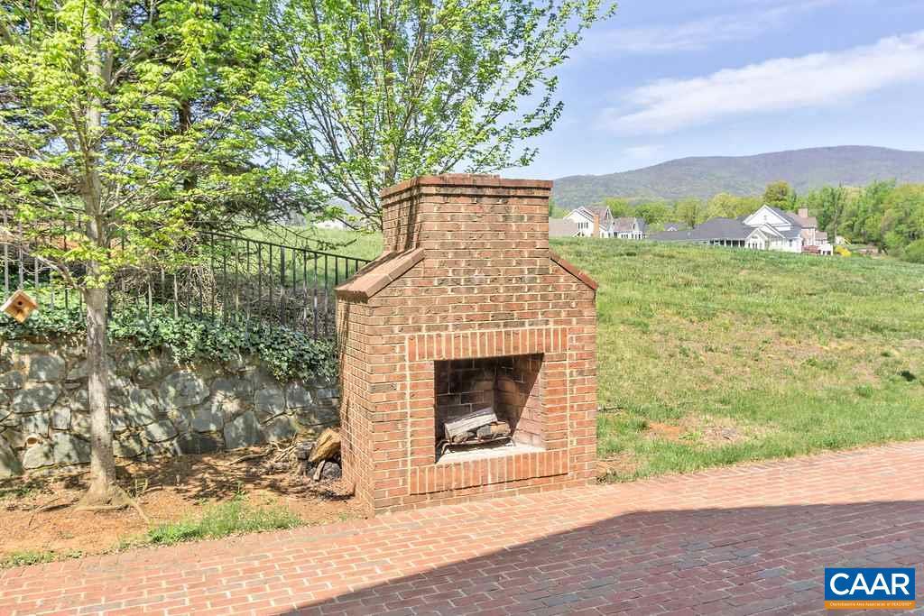 Additional photo for property listing at 6406 WOODBOURNE Lane 6406 WOODBOURNE Lane Crozet, Virginia 22932 United States