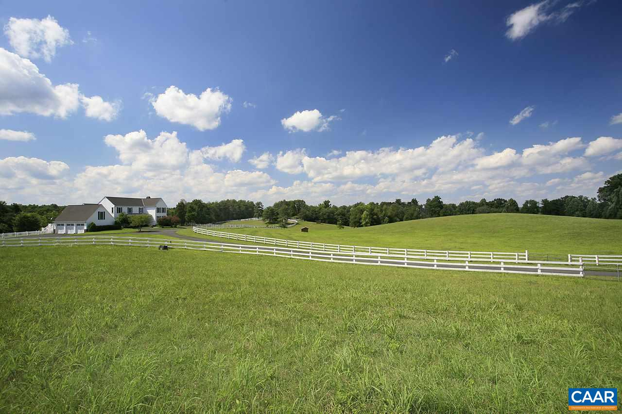 Single Family Home for Sale at 4894 STONY POINT Road Barboursville, Virginia 22923 United States