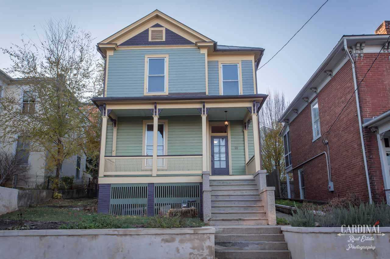 22 S WASHINGTON ST, STAUNTON, VA 24401