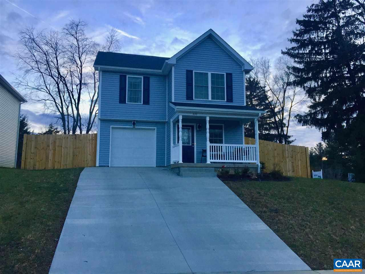 Single Family Home for Sale at 220 OVERVIEW Street Waynesboro, Virginia 22980 United States