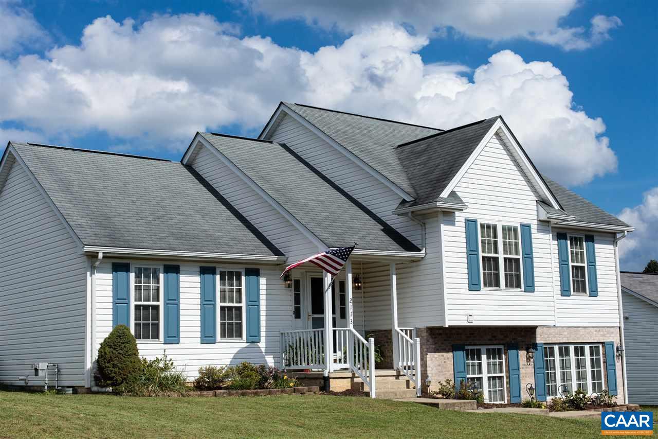 Single Family Home for Sale at 2113 MOSLEY Street Waynesboro, Virginia 22980 United States