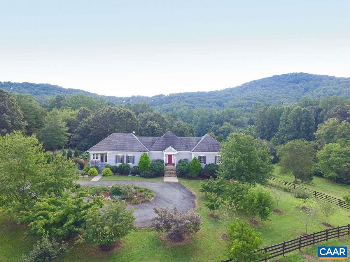 Single Family Home for Sale at 6933 WISHING MEADOW Lane Batesville, Virginia 22924 United States