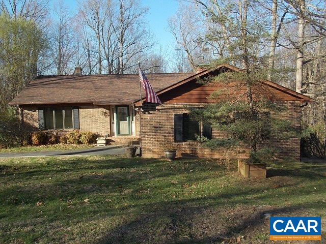 149 COUNTRY CLUB DR, STANARDSVILLE, VA 22973
