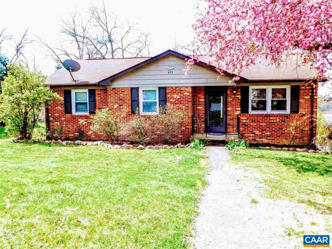 Single Family Home for Sale at 433 WOODLAND Circle Waynesboro, Virginia 22980 United States
