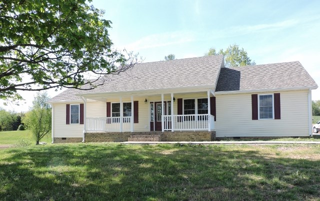 6955 N LEE HIGHWAY, FAIRFIELD, VA 24435