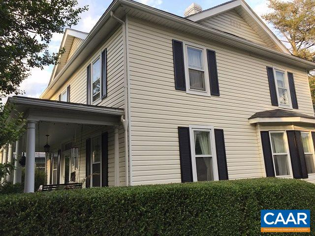 Single Family Home for Sale at 476 CHESTNUT Avenue Waynesboro, Virginia 22980 United States