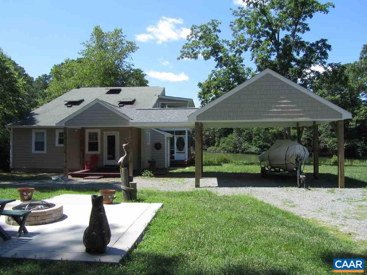 Single Family Home for Sale at 193 HONEYSUCKLE Lane 193 HONEYSUCKLE Lane Deltaville, Virginia 23043 United States
