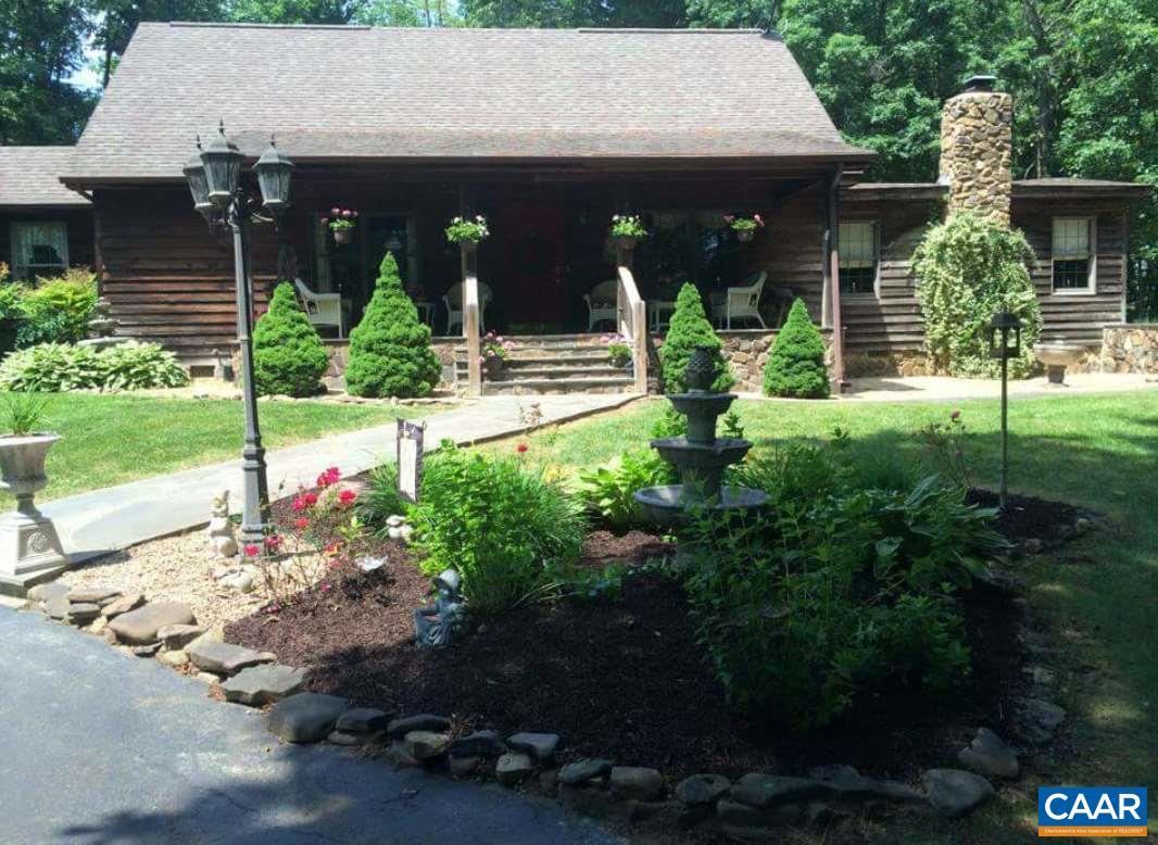 Single Family Home for Sale at 1274 HERMITAGE Road 1274 HERMITAGE Road Waynesboro, Virginia 22980 United States
