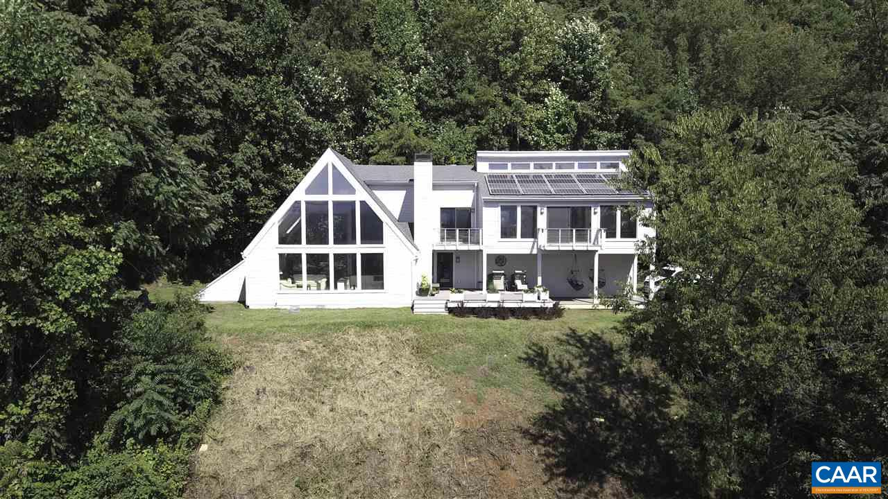 Single Family Home for Sale at 8464 MOUNTAIN HOLLOW Road 8464 MOUNTAIN HOLLOW Road Greenwood, Virginia 22943 United States