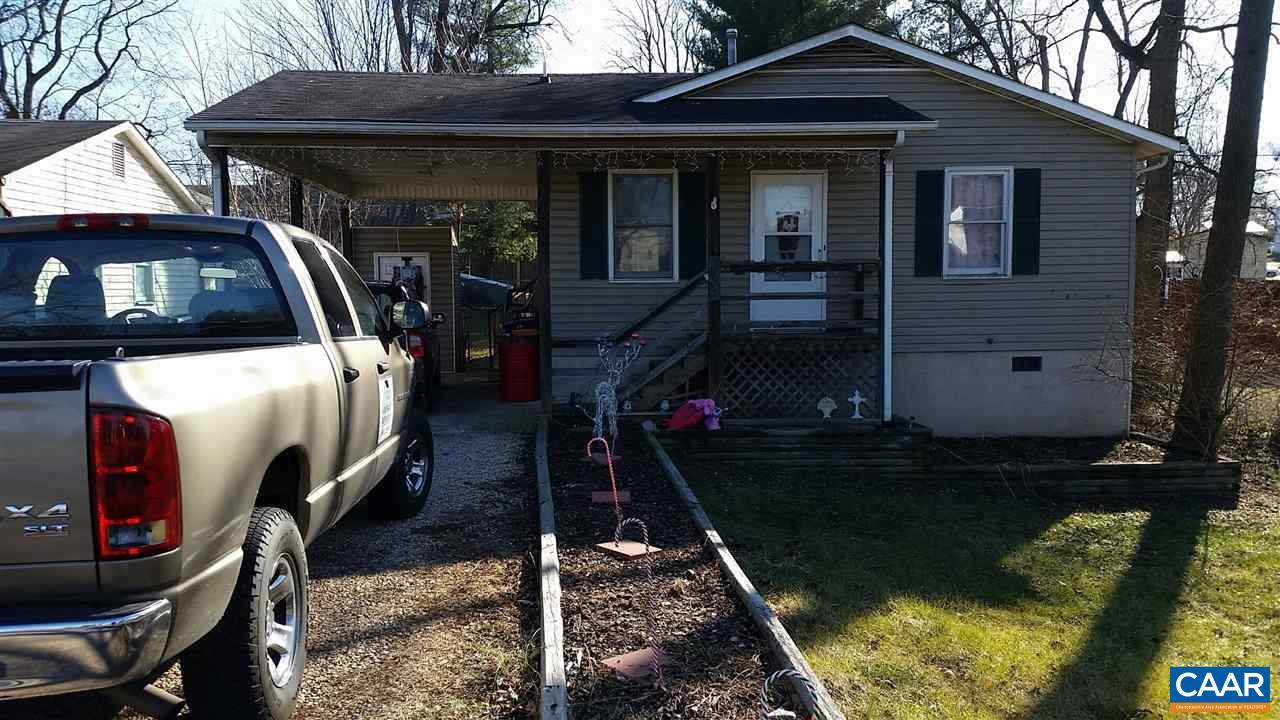 Single Family Home for Sale at 708 KING Avenue 708 KING Avenue Waynesboro, Virginia 22980 United States