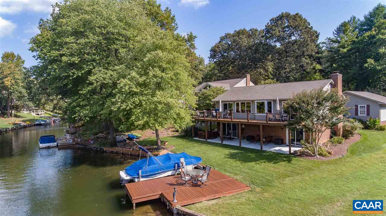 Single Family Home for Sale at 15 BOLLING Circle 15 BOLLING Circle Palmyra, Virginia 22963 United States