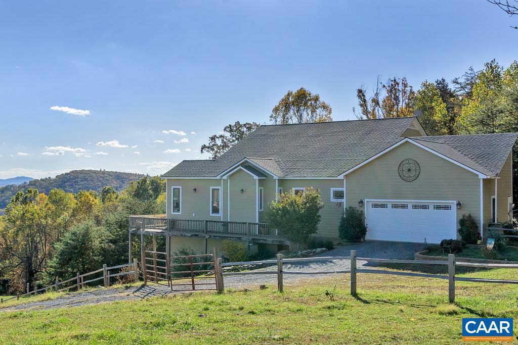 Casa Unifamiliar por un Venta en 2104 SADDLE HOLLOW Road 2104 SADDLE HOLLOW Road Crozet, Virginia 22932 Estados Unidos