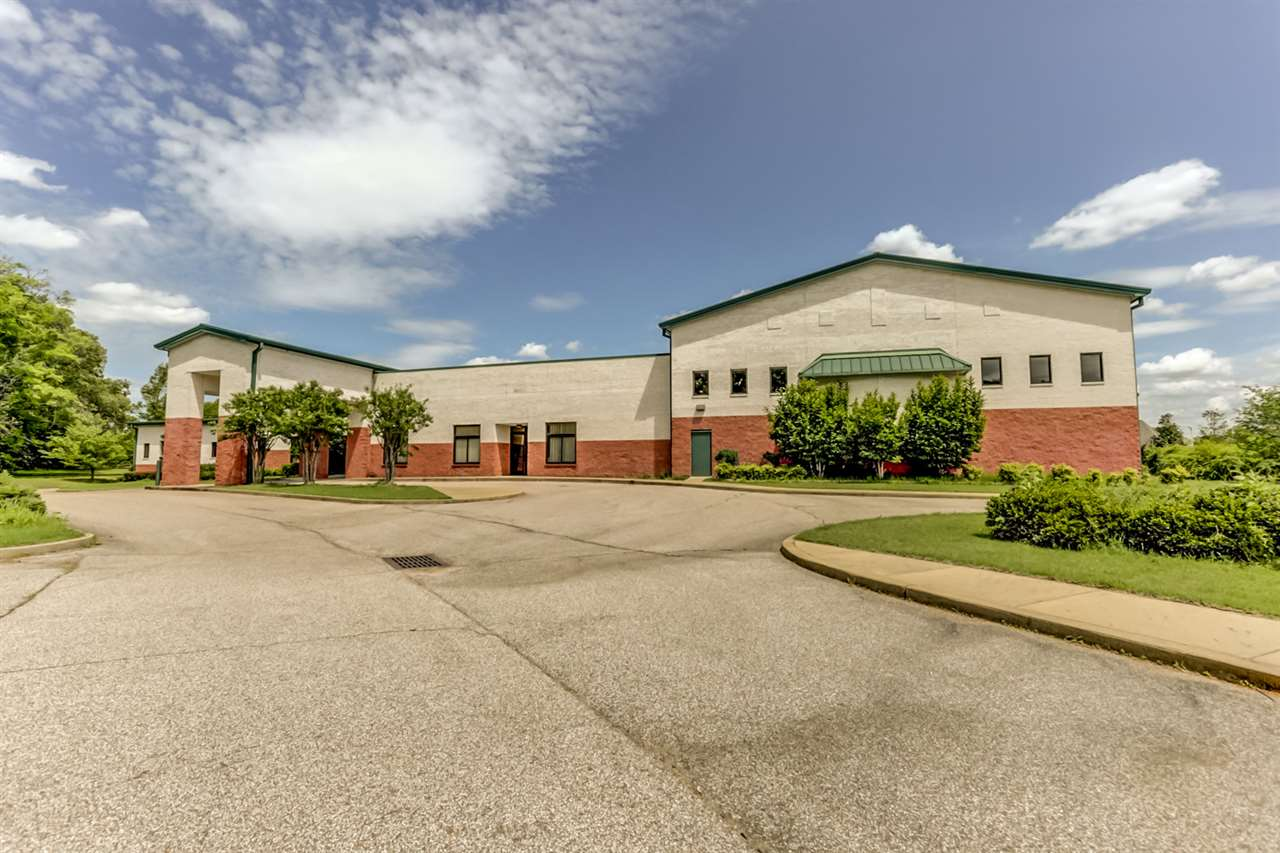 10615 COLLIERVILLE RD, Collierville, TN 38017