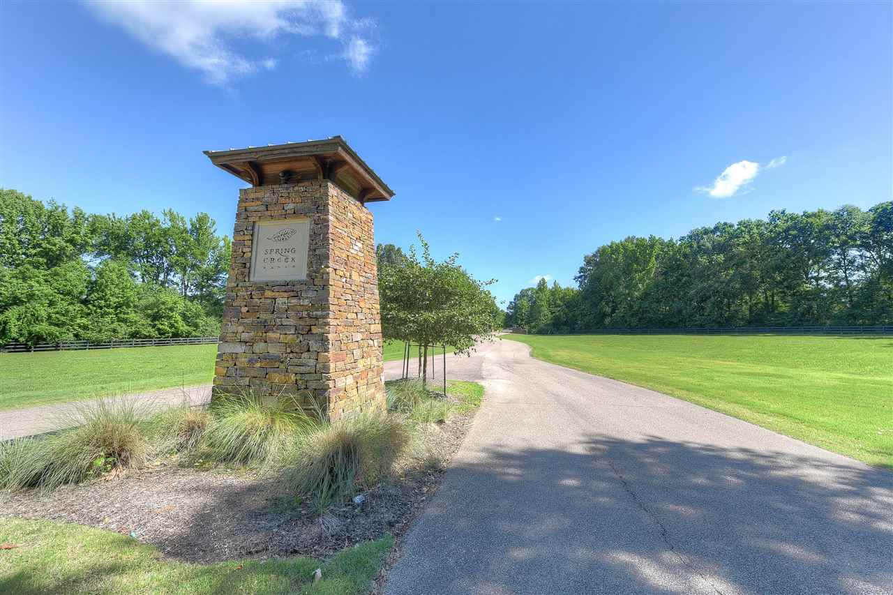 12527 MISS YUVALLE LN, Unincorporated, TN 38017