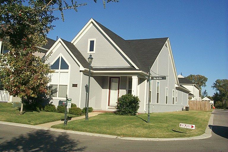 1220 MISTY ISLE DR, Memphis, TN 38103