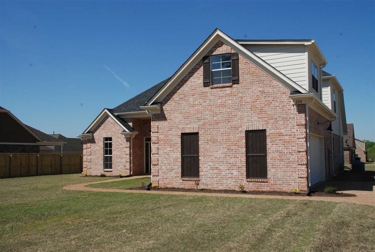 125 COUNTRY BROOK DR, OAKLAND, TN 38060  Photo 2