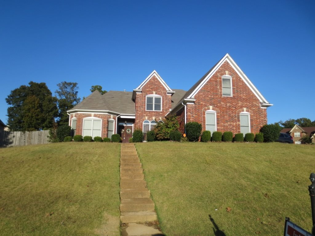 This is a gorgeous home located in Arlington, TN. It has four spacious bedrooms and three full baths. Includes are large game/play room upstairs. Huge hearth room with fireplace to keep you warm on those cold winter nights. Complete with a three car garage and a fenced in backyard. Plenty of room for kids or pets to run and play. Above ground swimming pool and screened in back patio. Close to shopping, schools, and entertainment. Call us and come see this beautiful home today!