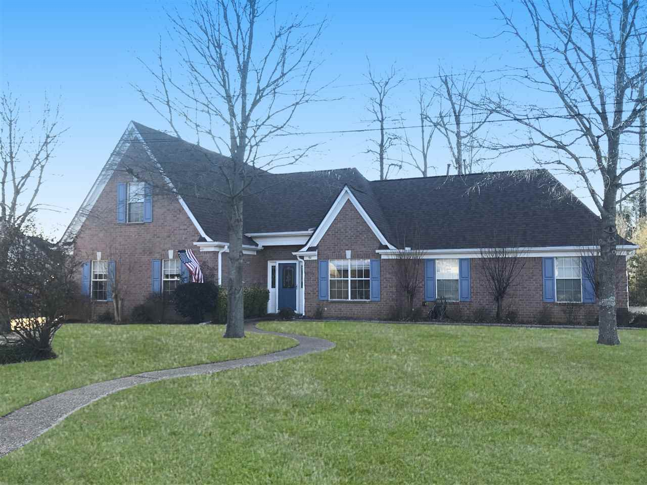 60 COUNTRY BROOK DR