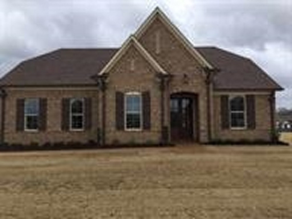 Property for sale at 30 Whispering Pines Cv, Oakland,  TN 38060