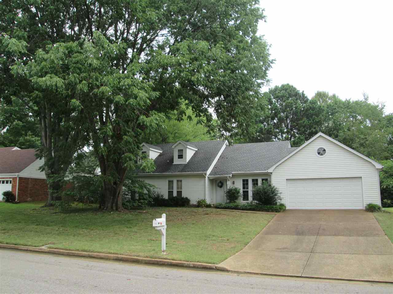 Property for sale at 134 Glaze Ave, Collierville,  TN 38017