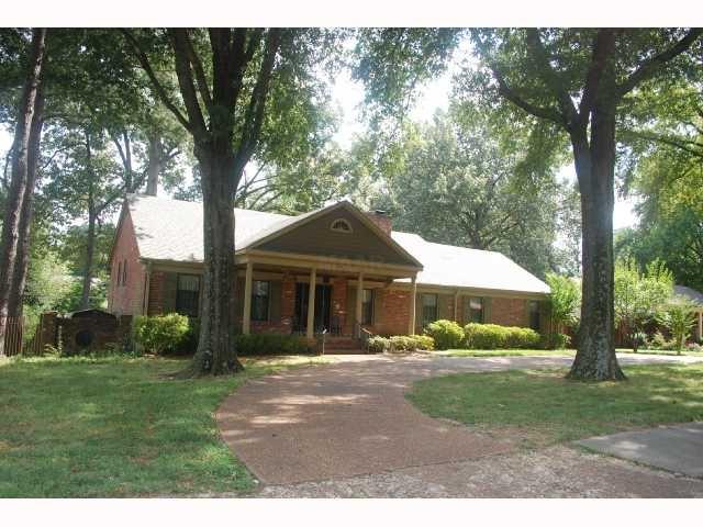 324 PERKINS EXT, Memphis, TN 38117