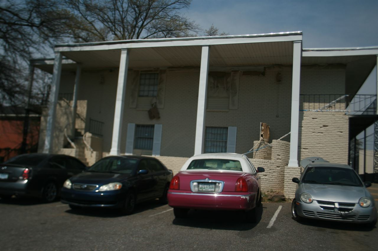 1070 Poplar Memphis, TN 38105 - MLS #: 9998052