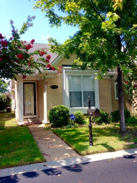 1323 HARBOR PARK DR, Memphis, TN 38103