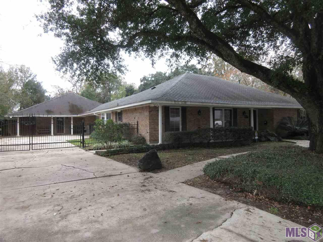 Currently damaged homes for sale in baton rouge for Homes for sale in baton rouge with swimming pools