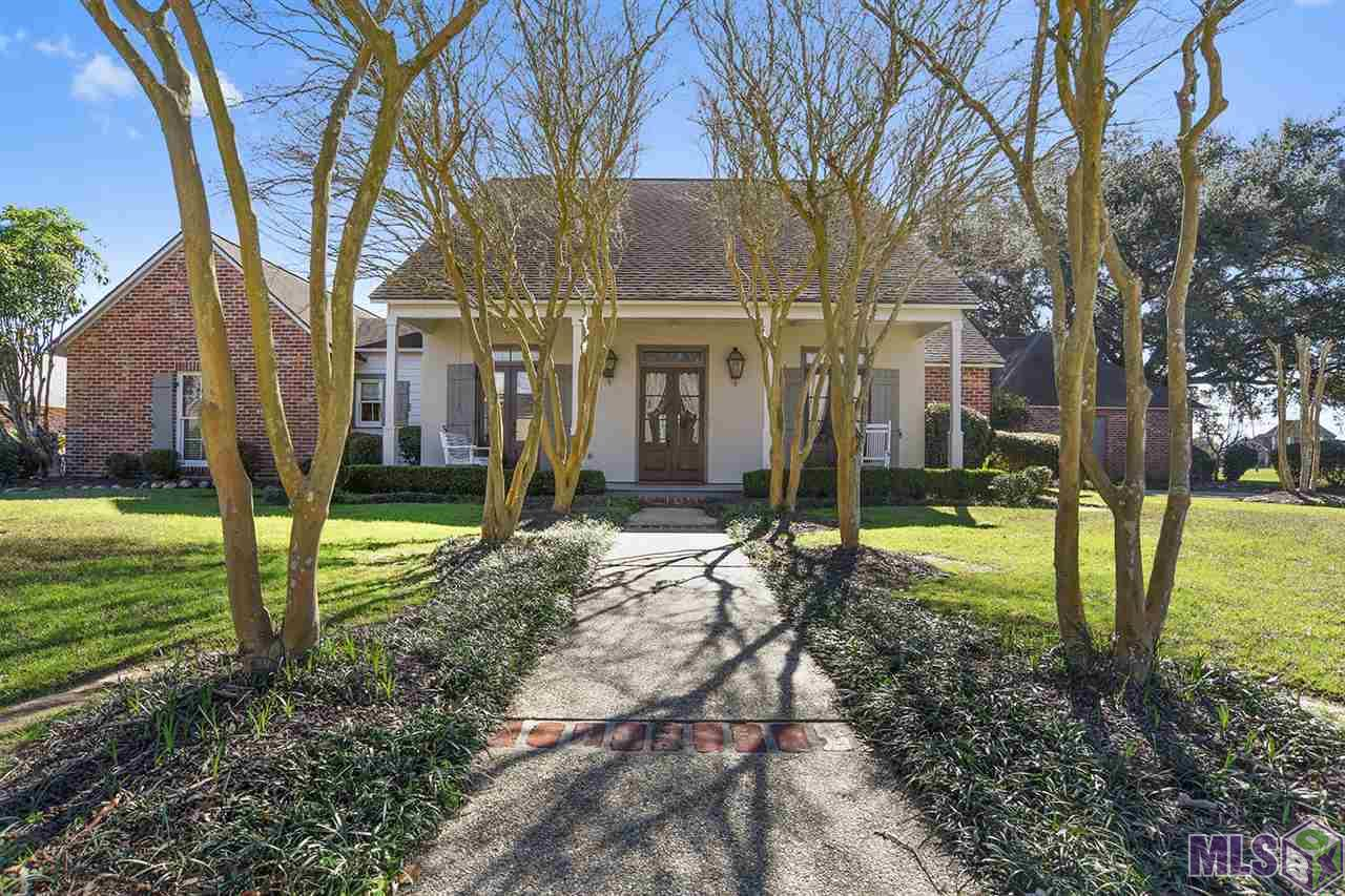 Country club of louisiana luxury homes for Luxury home builders louisiana