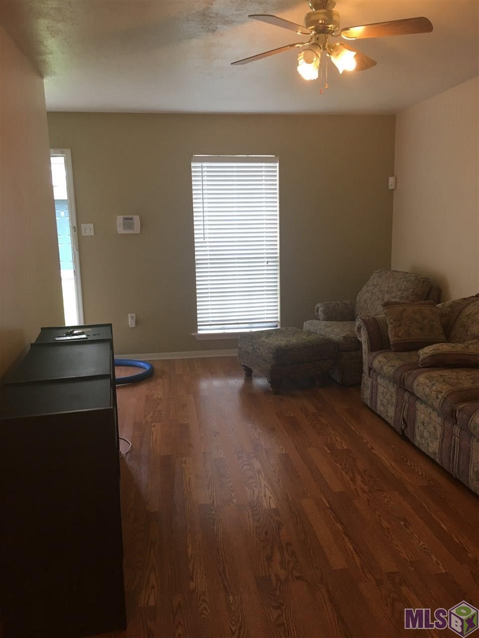1736 BRIGHTSIDE LN, Baton Rouge, LA 70820