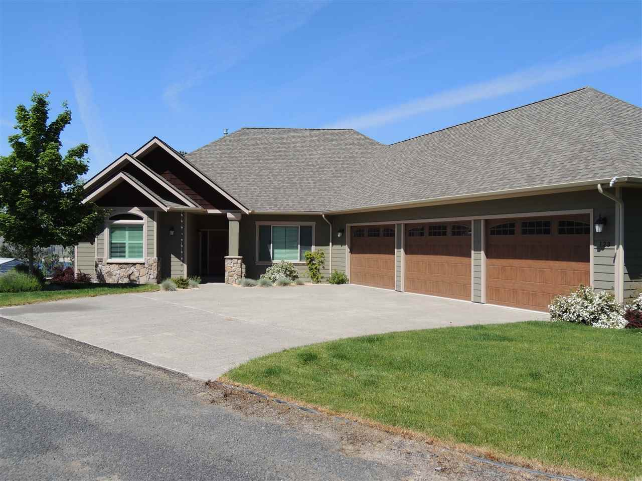 Single Family Home for Sale at 123 Blossom Ct. A. 123 Blossom Ct. A. Davenport, Washington 99122 United States