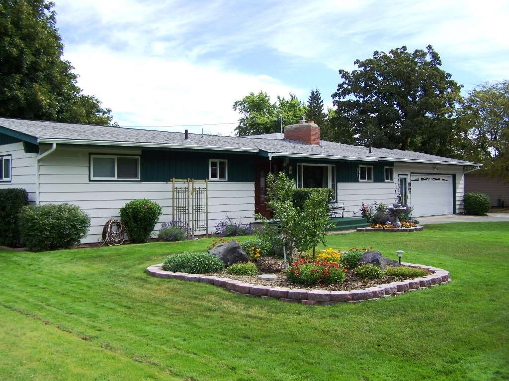 12511 E 16TH Ave, Spokane Valley, WA 99216
