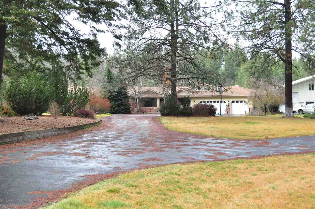 Single Family Home for Sale at 2511 E Deer Park Milan Road 2511 E Deer Park Milan Road Deer Park, Washington 99006 United States