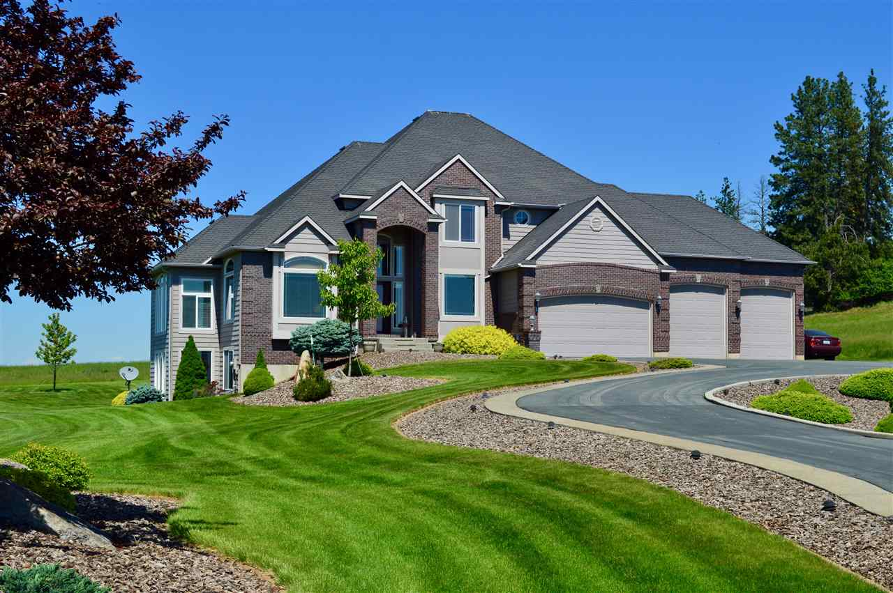 Single Family Home for Sale at 21527 N Saddle Mountain Lane 21527 N Saddle Mountain Lane Colbert, Washington 99005 United States