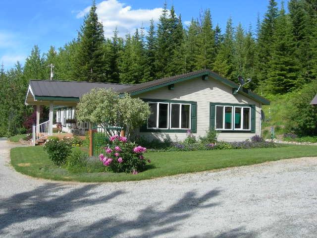 Single Family Home for Sale at 641 Buckeye Lane 641 Buckeye Lane Newport, Washington 99156 United States