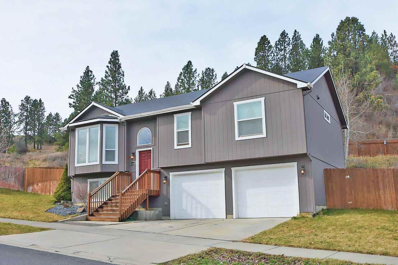 18108 E Crescent Dr, Spokane Valley, WA 99016
