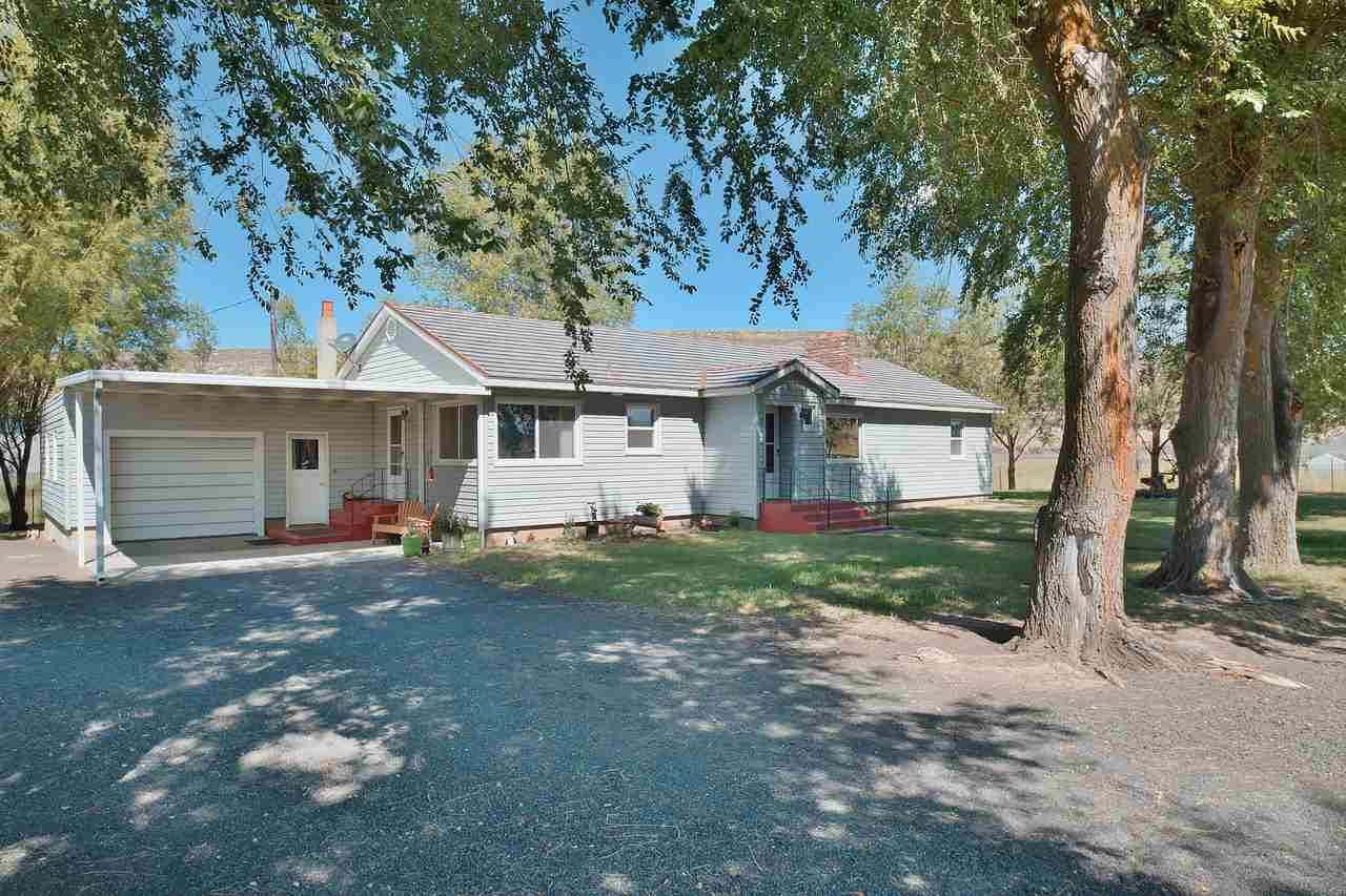 Single Family Home for Sale at 9377 N Duck Lake Road 9377 N Duck Lake Road Odessa, Washington 99159 United States
