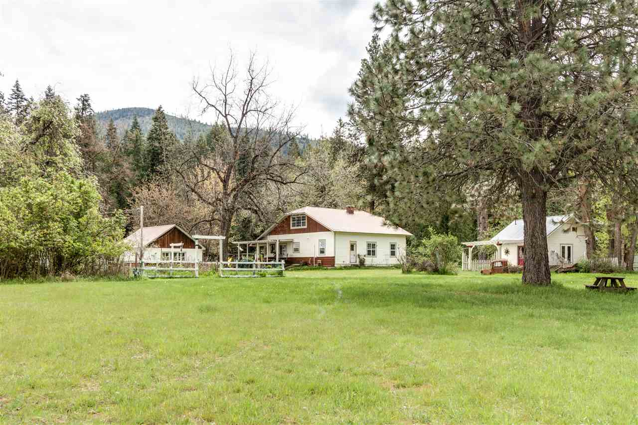 Single Family Home for Sale at 13401 N LeClerc Road 13401 N LeClerc Road Cusick, Washington 99119 United States