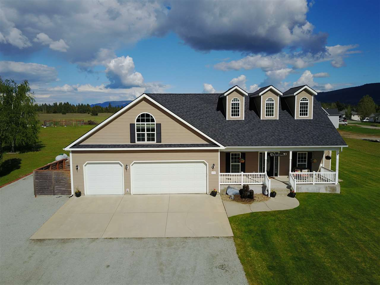 Single Family Home for Sale at 359 Solar Road 359 Solar Road Oldtown, Idaho 83822 United States