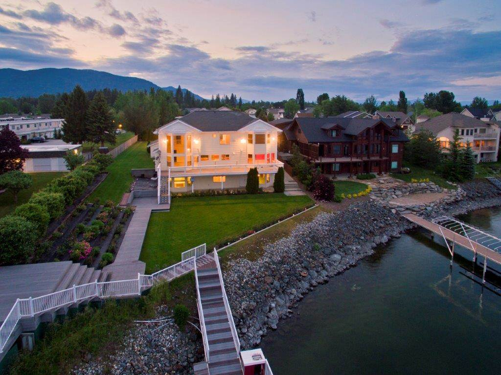 Single Family Home for Sale at 1601 Northshore Drive 1601 Northshore Drive Sandpoint, Idaho 83864 United States