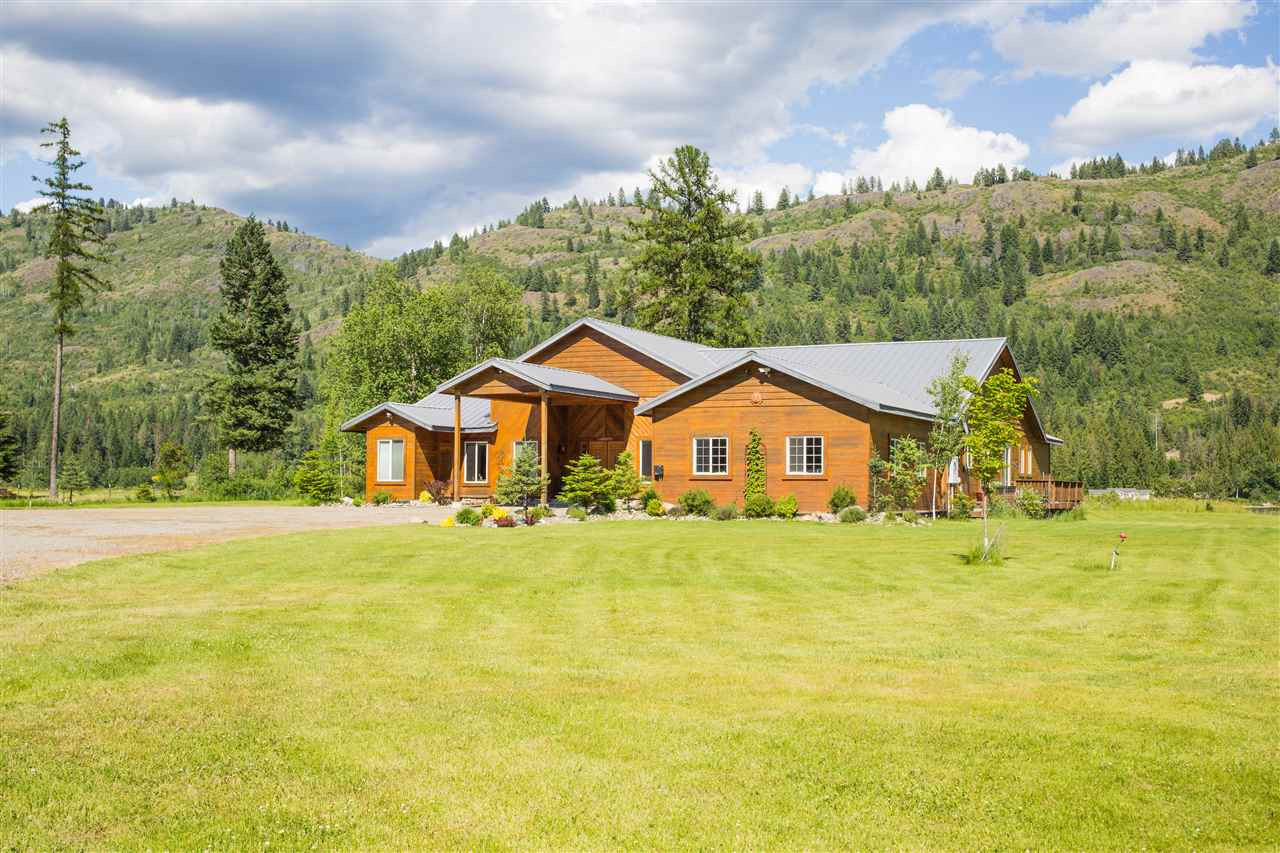 Single Family Home for Sale at 121 Waterview Drive 121 Waterview Drive Cusick, Washington 99119 United States