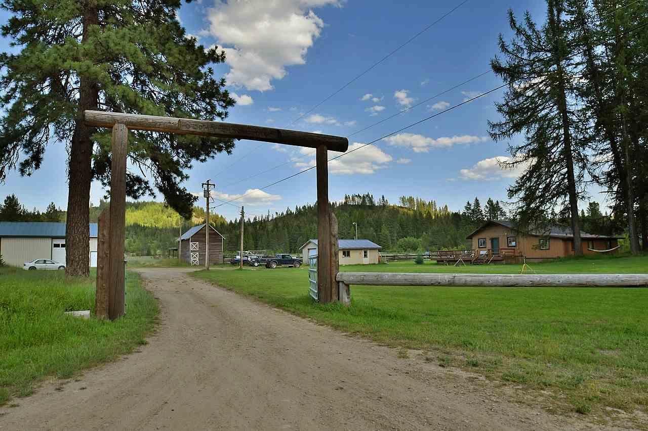 Single Family Home for Sale at 2817 Baker Lake Road 2817 Baker Lake Road Newport, Washington 99156 United States