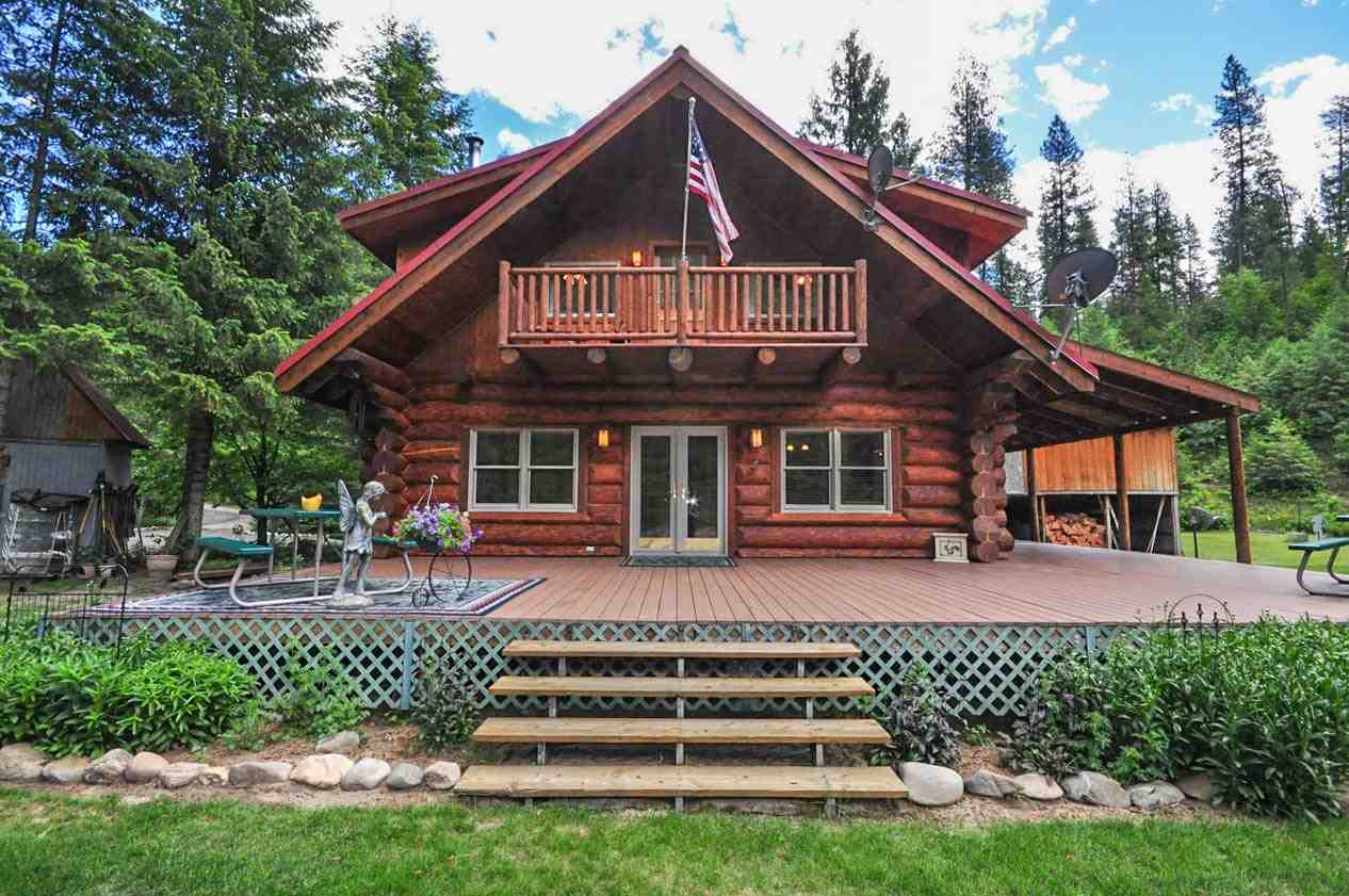 Single Family Home for Sale at 3733 K Sand Creek Road 3733 K Sand Creek Road Kettle Falls, Washington 99141 United States