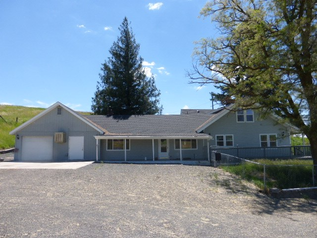Single Family Home for Sale at 301 E 3rd Street 301 E 3rd Street Rosalia, Washington 99170 United States