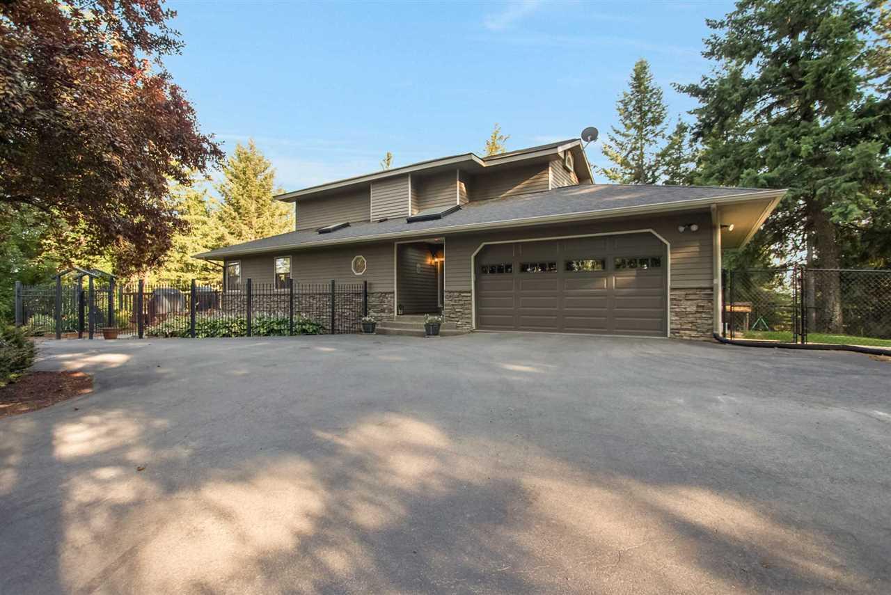 Single Family Home for Sale at 9025 N Harvard Road 9025 N Harvard Road Newman Lake, Washington 99025 United States