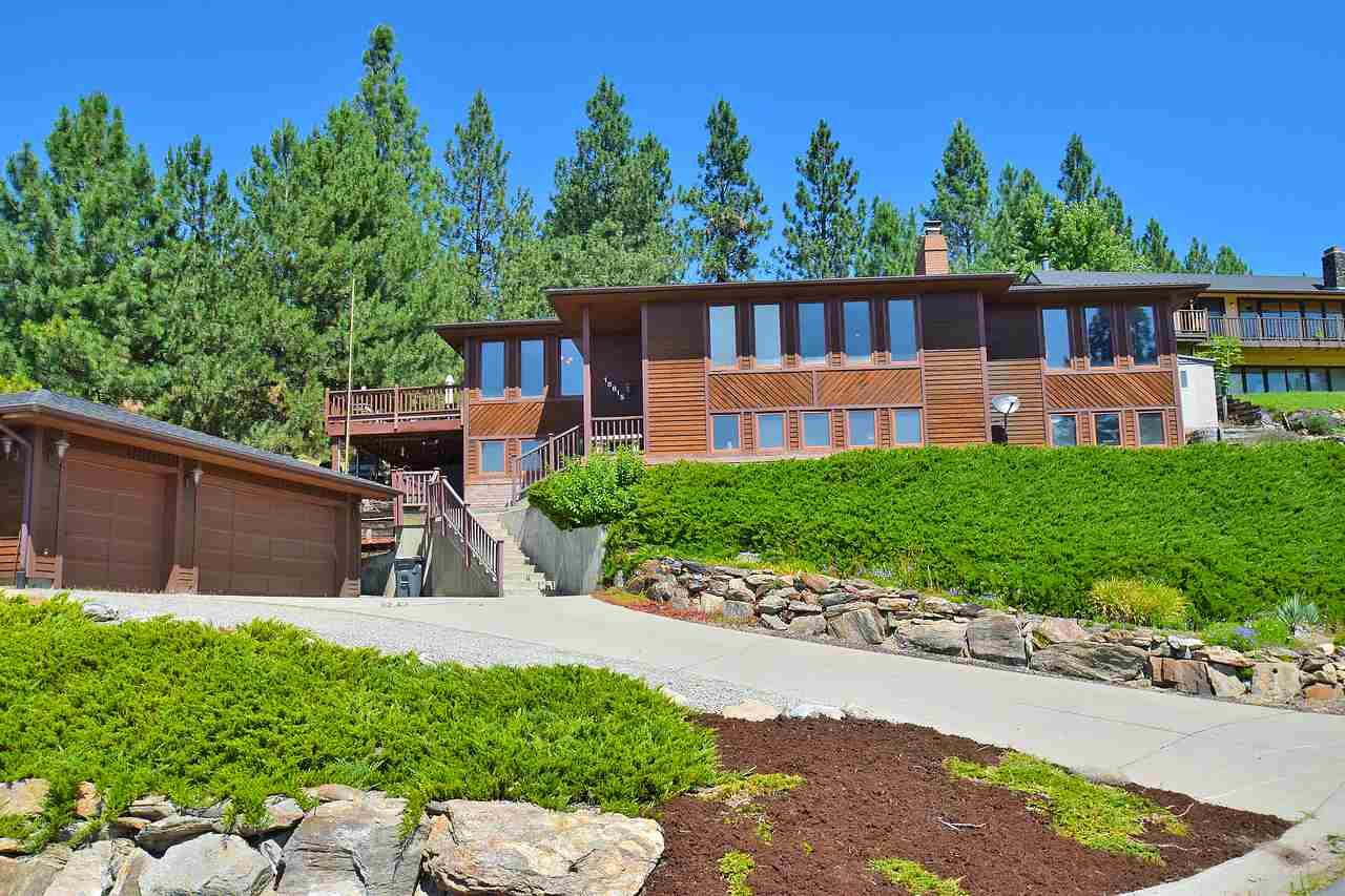 Single Family Home for Sale at 18815 E Castillo Court 18815 E Castillo Court Otis Orchards, Washington 99027 United States